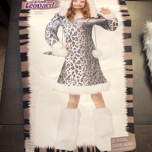 Girls snow leopard costume.  Used once.
